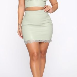 Bodycon Skirt with Lace Trim